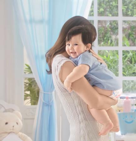 Mẹ con siêu mẫu Hà Anh – Myla đốn tim triệu fan với một ngày thường nhật siêu yêu - Ảnh 4.