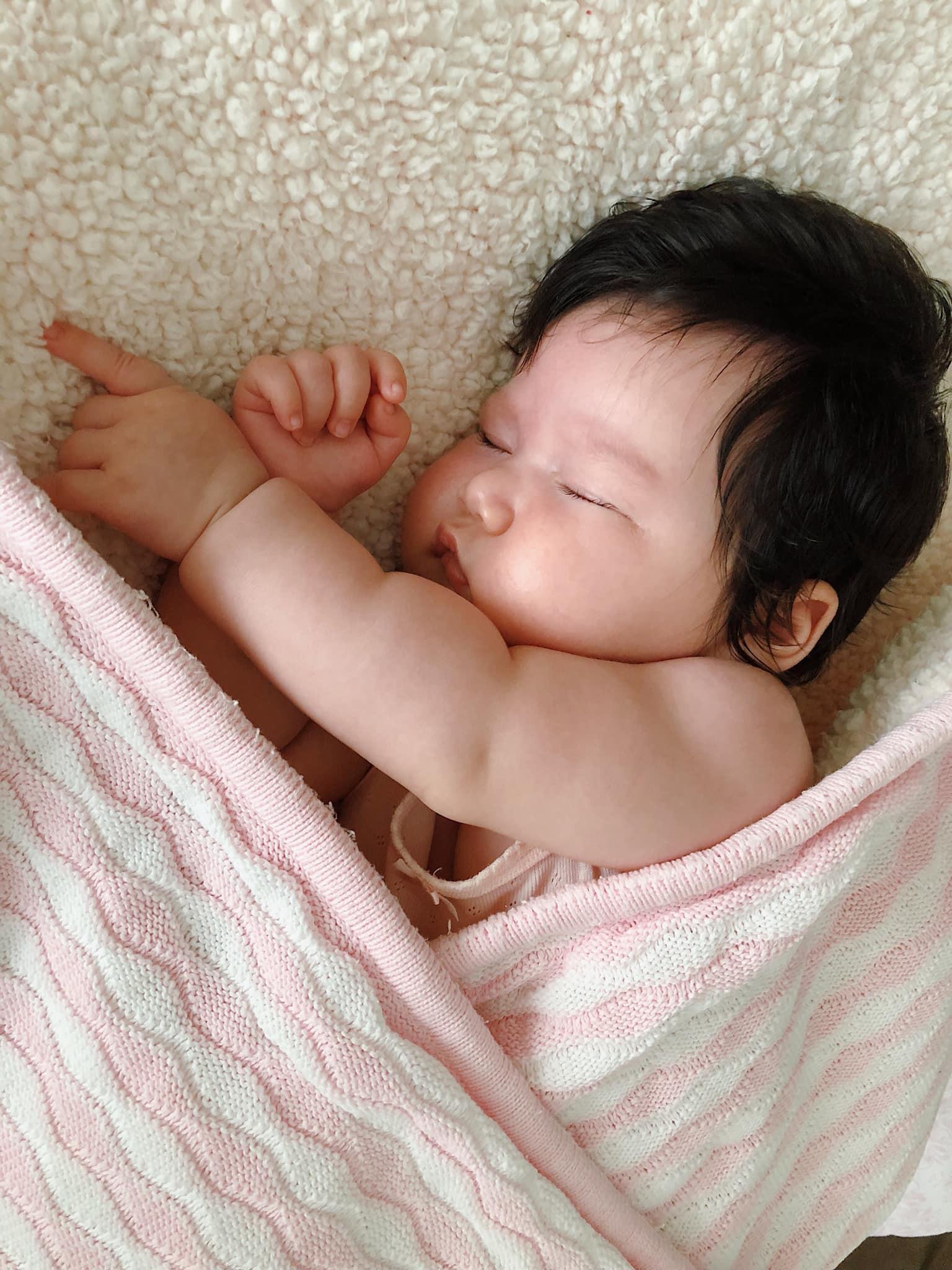 Mẹ con siêu mẫu Hà Anh – Myla đốn tim triệu fan với một ngày thường nhật siêu yêu - Ảnh 6.