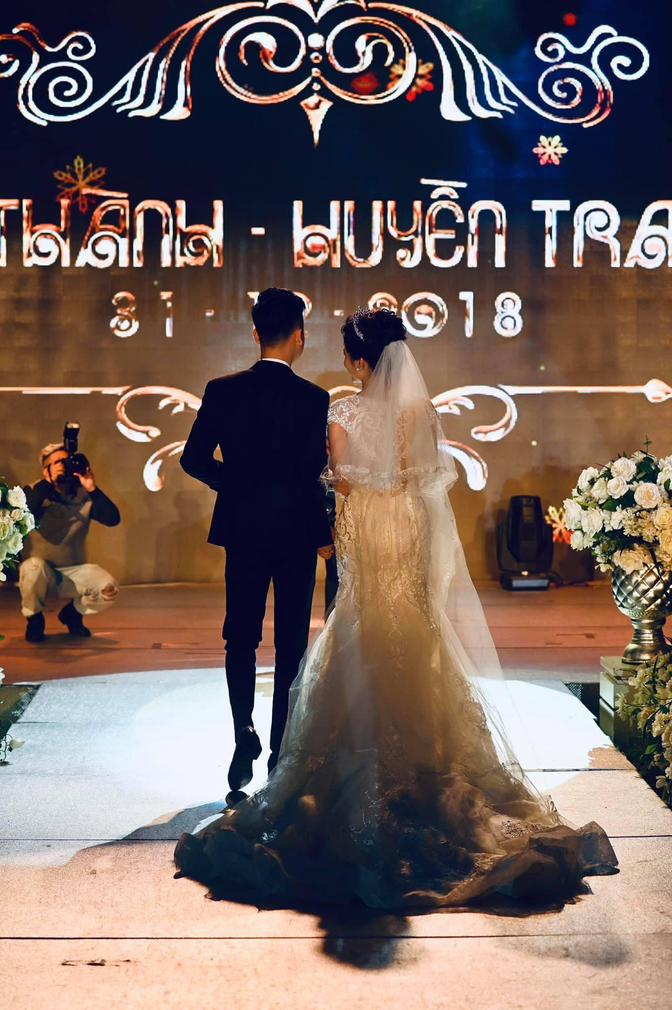 Huyền Trang Bất Hối chốt hạ năm 2018 bằng đám cưới cực viên mãn - Ảnh 4.