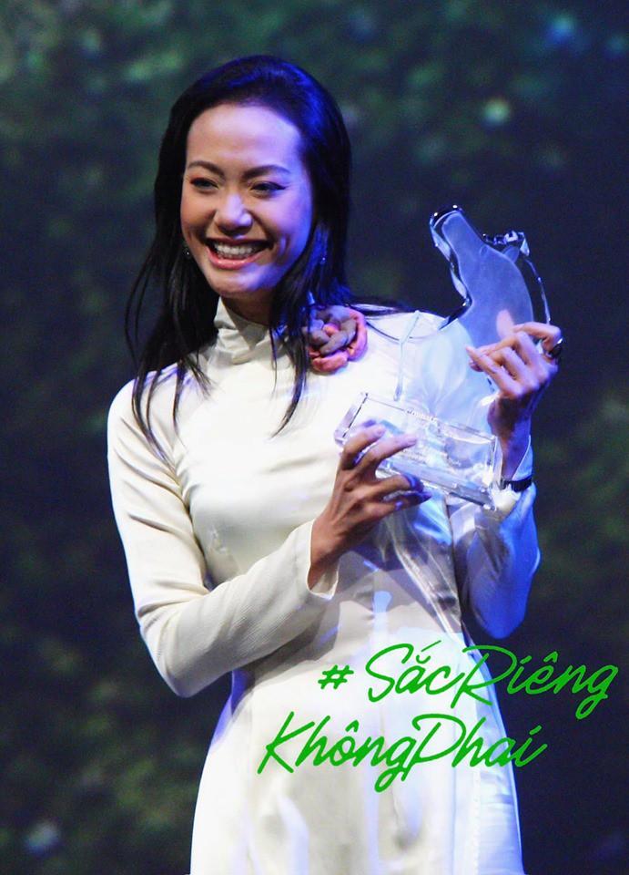 HHen Niê kêu gọi chị em phụ nữ chia sẻ kỉ niệm tỏa sáng với áo dài Việt - Ảnh 2.