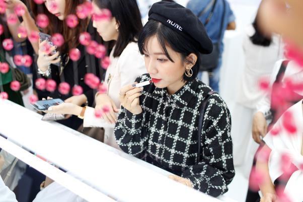 Artistry tiếp tục là nhà tài trợ kim cương Liên hoan phim Quốc tế Busan 2019 - Ảnh 8.
