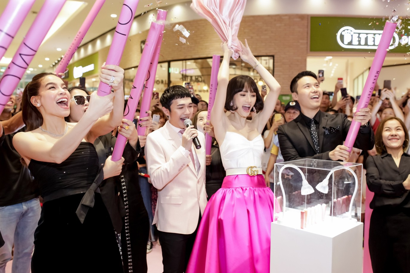 Son của Hương Giang có gì xuất sắc mà chinh phục luôn cả Hoa hậu Hàn Quốc? - Ảnh 12.
