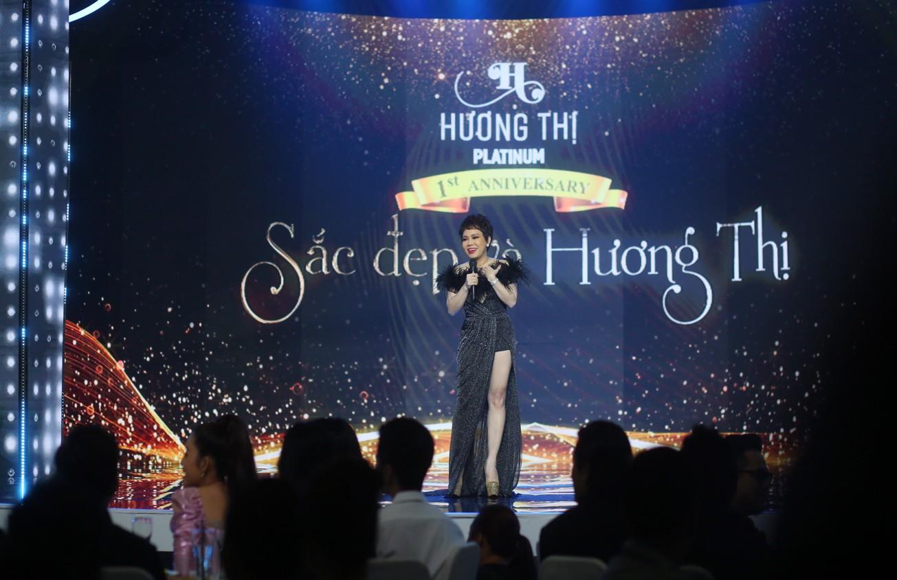Đàm Vĩnh Hưng cùng Minh Tuyết tái hiện loạt hit trong đêm tiệc của Việt Hương - Ảnh 1.