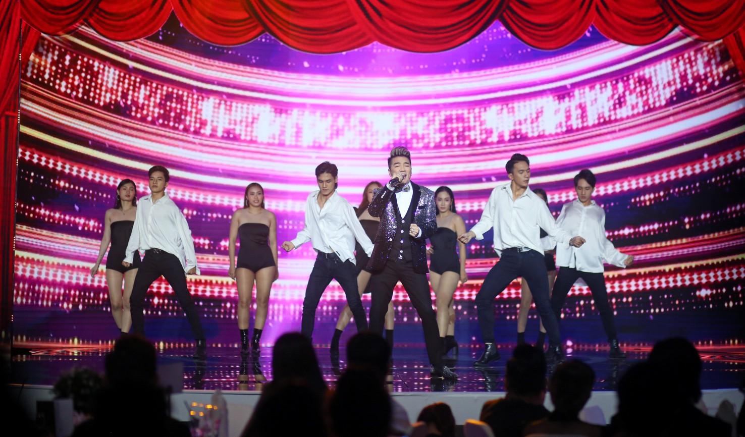 Đàm Vĩnh Hưng cùng Minh Tuyết tái hiện loạt hit trong đêm tiệc của Việt Hương - Ảnh 3.