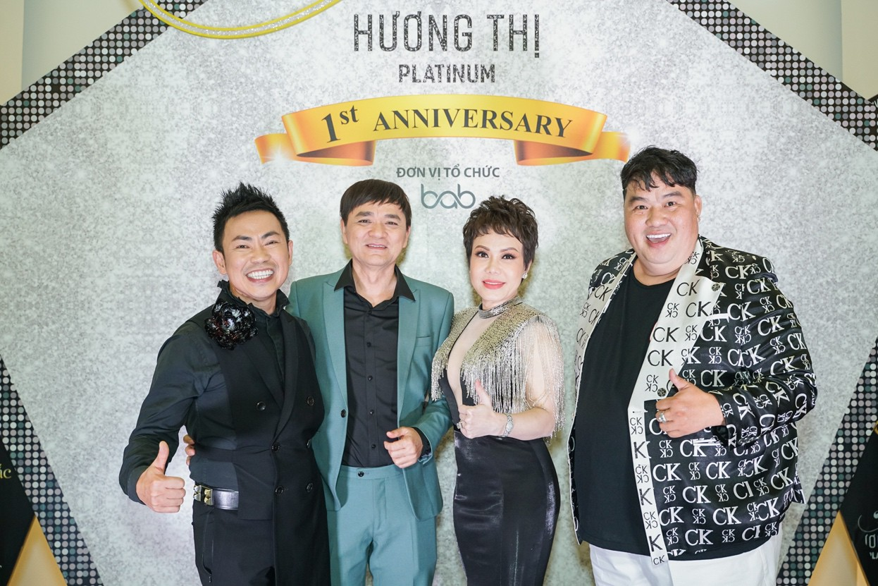 Đàm Vĩnh Hưng cùng Minh Tuyết tái hiện loạt hit trong đêm tiệc của Việt Hương - Ảnh 7.