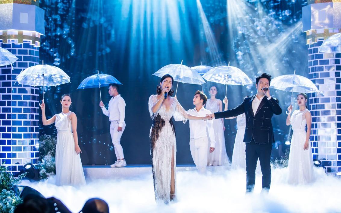 Đỗ Mỹ Linh, Tiểu Vy, Phương Nga hội ngộ cố vấn sắc đẹp Đặng Thanh Hằng - Ảnh 11.