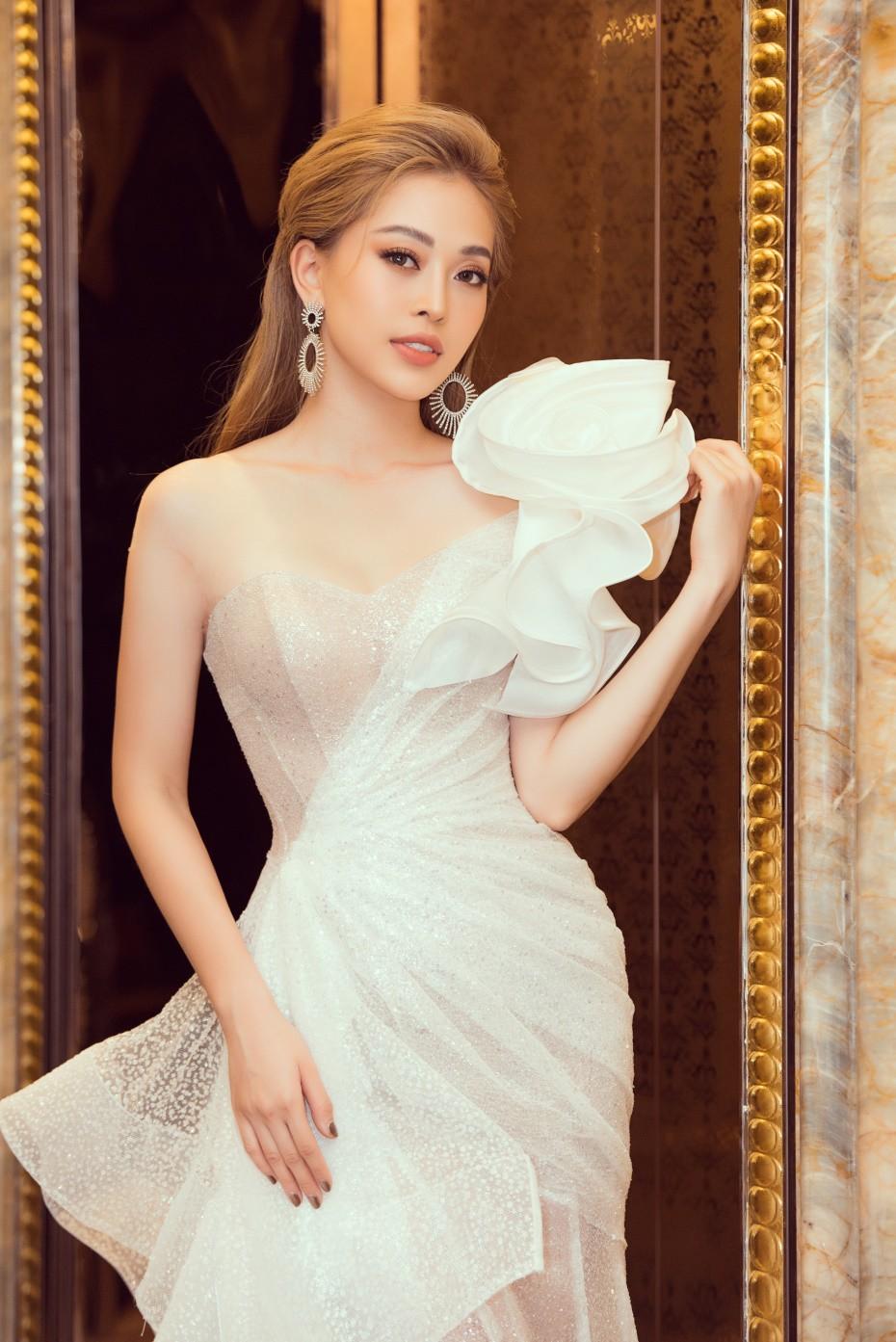 Người đẹp showbiz Việt đi đâu làm gì tuần qua? - Ảnh 11.