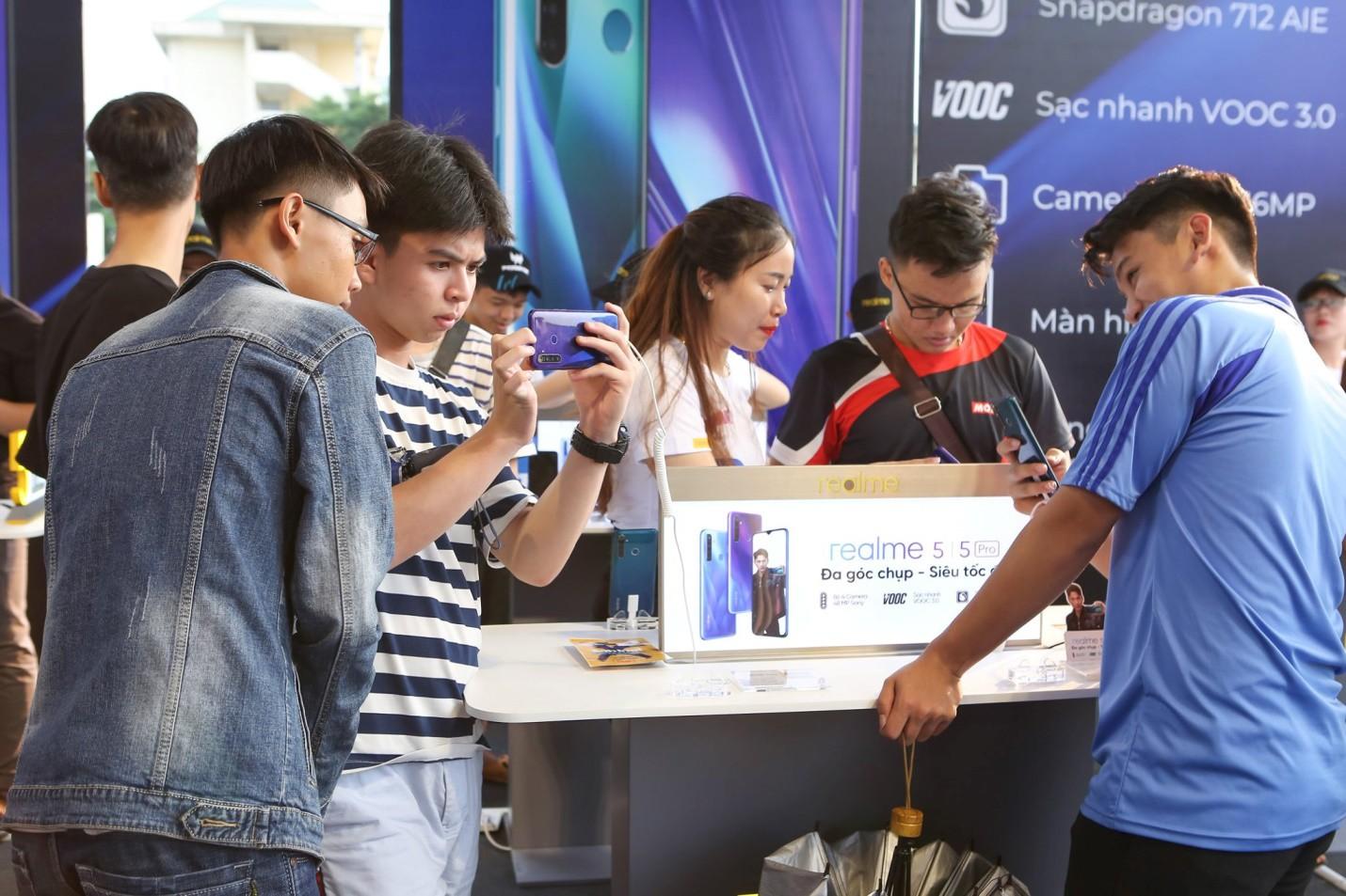 """Thấy gì từ thành công của Realme - Thương hiệu điện thoại mới nhưng đã sớm có chất""""! - Ảnh 4."""