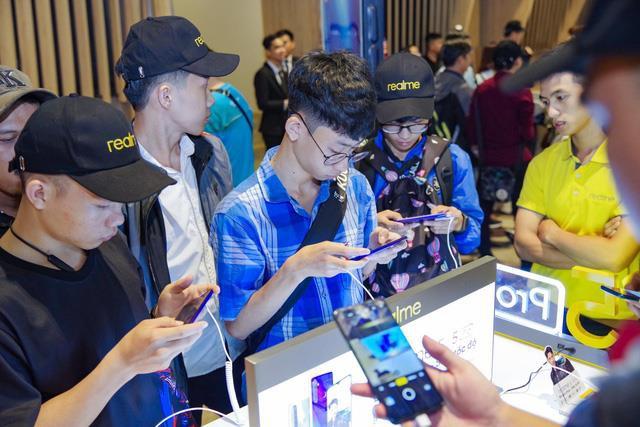 """Thấy gì từ thành công của Realme - Thương hiệu điện thoại mới nhưng đã sớm có chất""""! - Ảnh 6."""