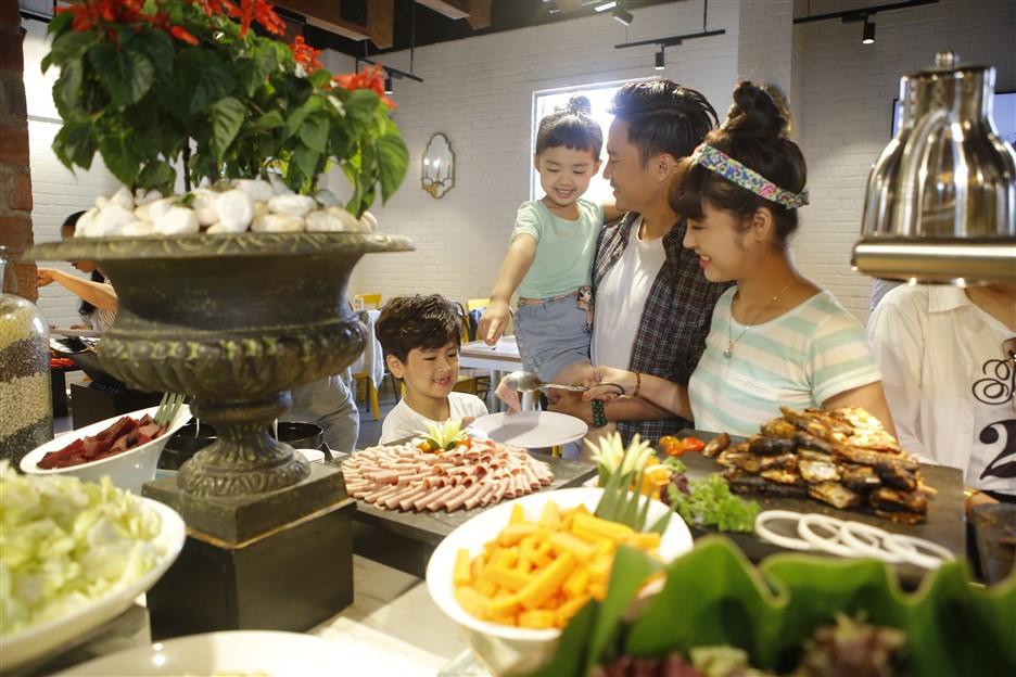 """World Travel Awards Châu Á – Châu Đại Dương vinh danh Bà Nà Hills là """"Công viên chủ đề hàng đầu Việt Nam"""" - Ảnh 1."""