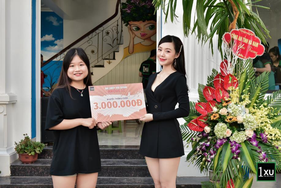 """Diễn viên Quỳnh Kool """"lên đồ xinh như mơ, khuấy động tiệm trà chanh cực chất giữa lòng Phủ Lý, Hà Nam - Ảnh 4."""