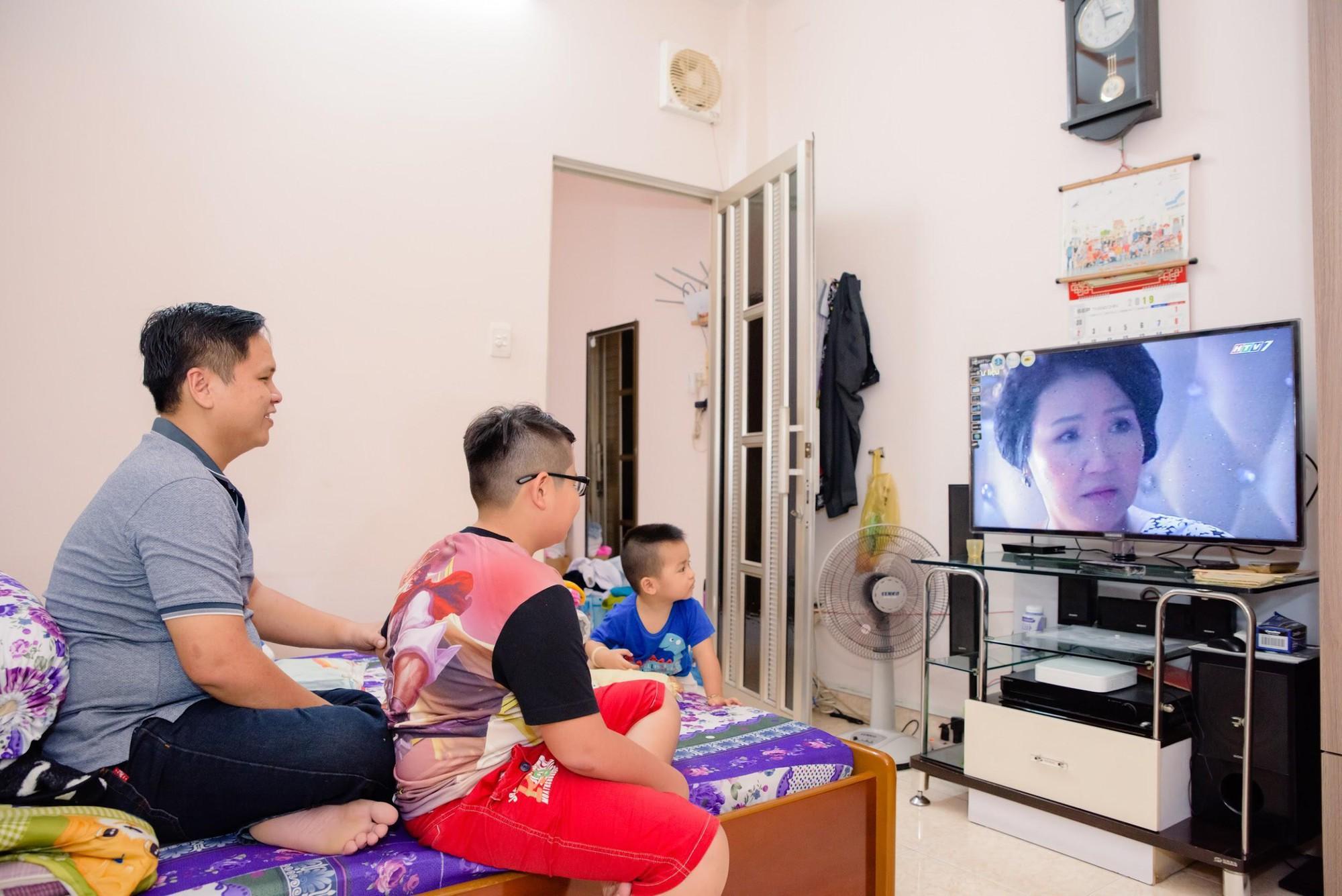 Samsung và những câu chuyện về chiếc TV gắn bó với các gia đình Việt cả chục năm qua - Ảnh 3.