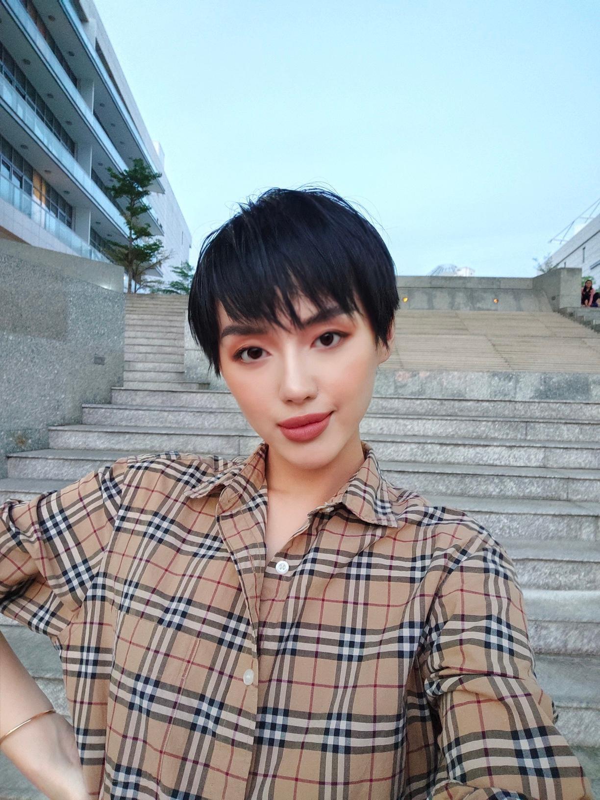 """3 bí kíp để có ngay ảnh như """"cô em trendy"""" Khánh Linh từ siêu dế vivo V17 Pro - Ảnh 1."""