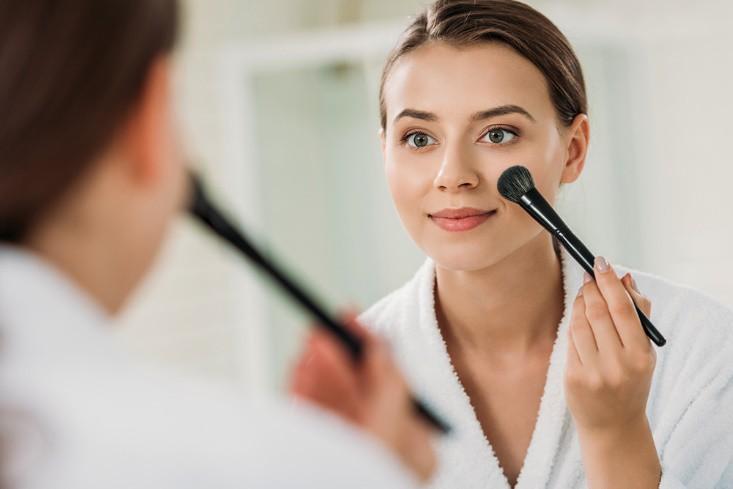 """""""Trang điểm dưỡng da"""" - Sự kết hợp hoàn hảo của skincare và make-up - Ảnh 1."""