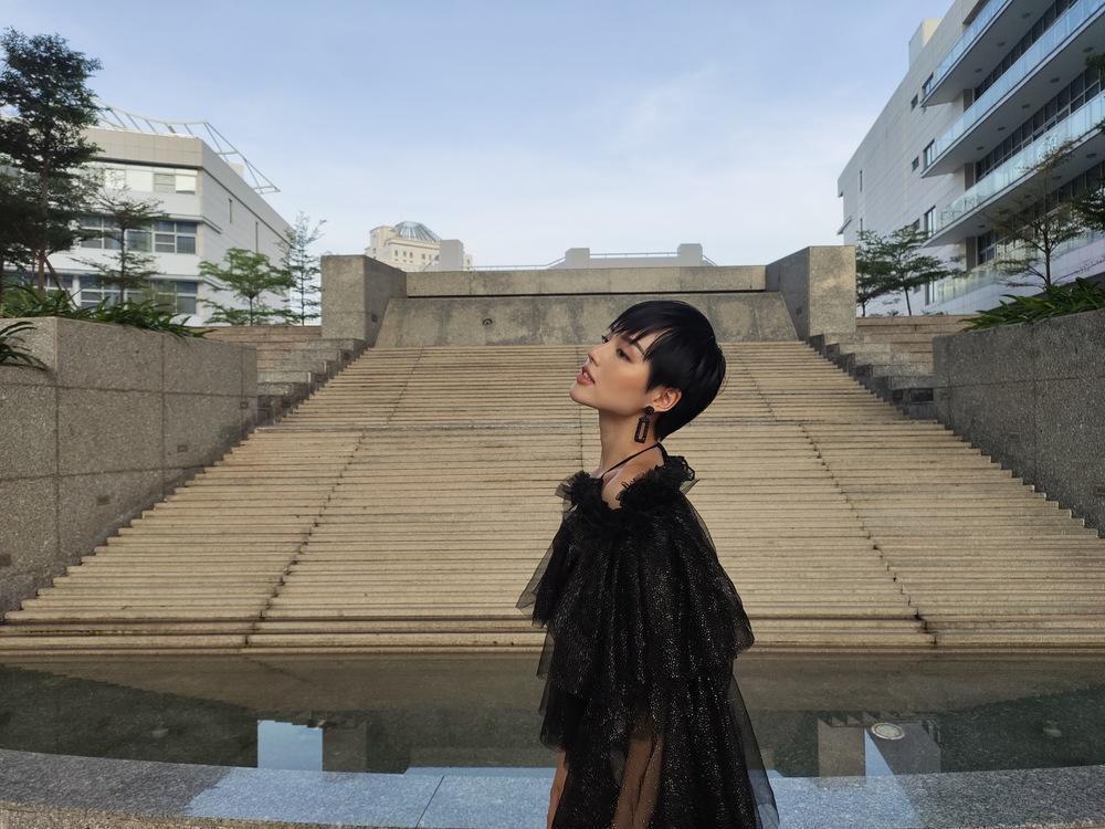 """3 bí kíp để có ngay ảnh như """"cô em trendy"""" Khánh Linh từ siêu dế vivo V17 Pro - Ảnh 4."""