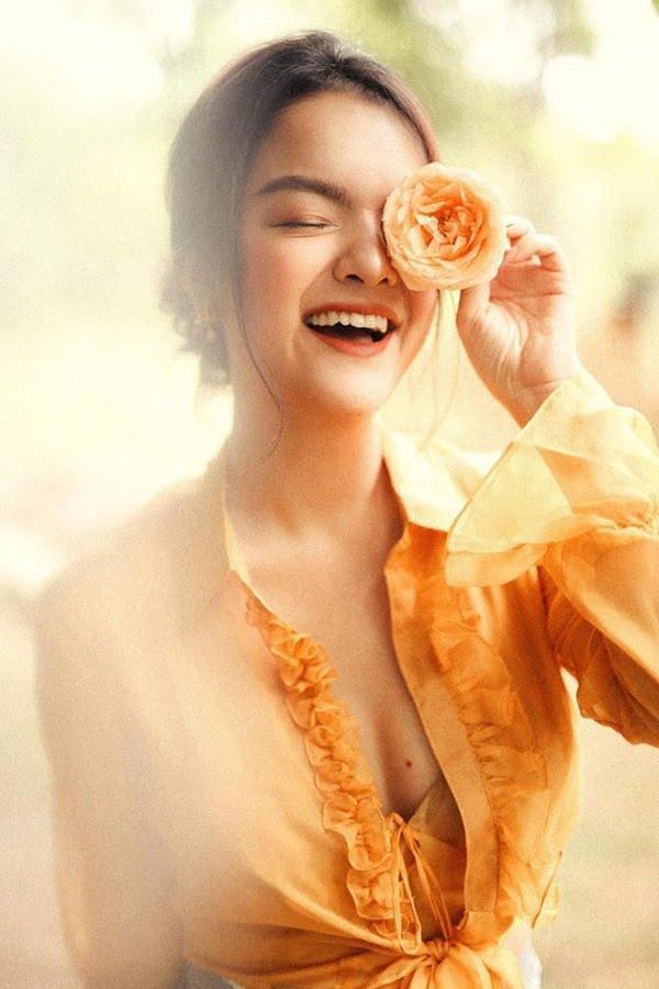 Phạm Quỳnh Anh: Không cần ánh đèn sân khấu, vẫn là mặt trời tỏa nắng cho con - ảnh 1