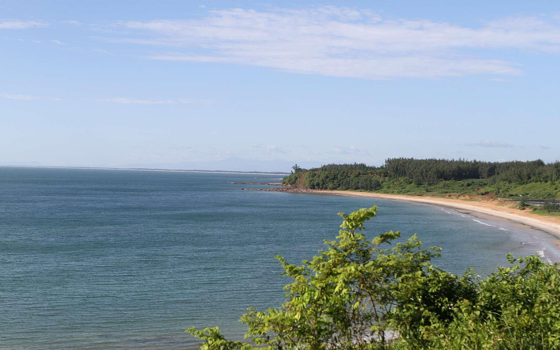 Ngoài tàn tích chiến tranh, còn có một Quảng Trị trong veo với những bãi biển nguyên sơ, thơ mộng - Ảnh 4.