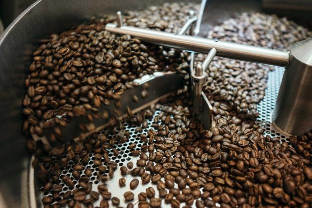 """Hành trình luyện """"vàng đen"""": từ hạt cà phê rang đến ly cà phê hảo hạng - Ảnh 5."""