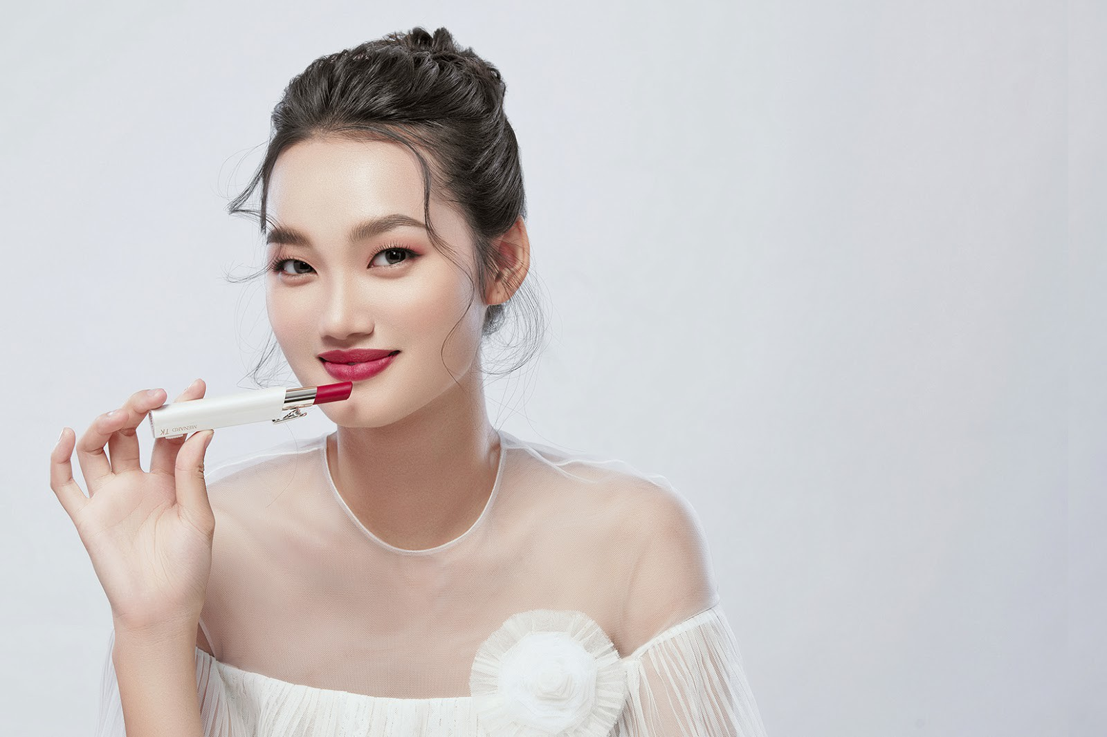 Vì sao phong cách trang điểm xứ phù tang ngày càng được lòng phái đẹp Việt? - Ảnh 6.