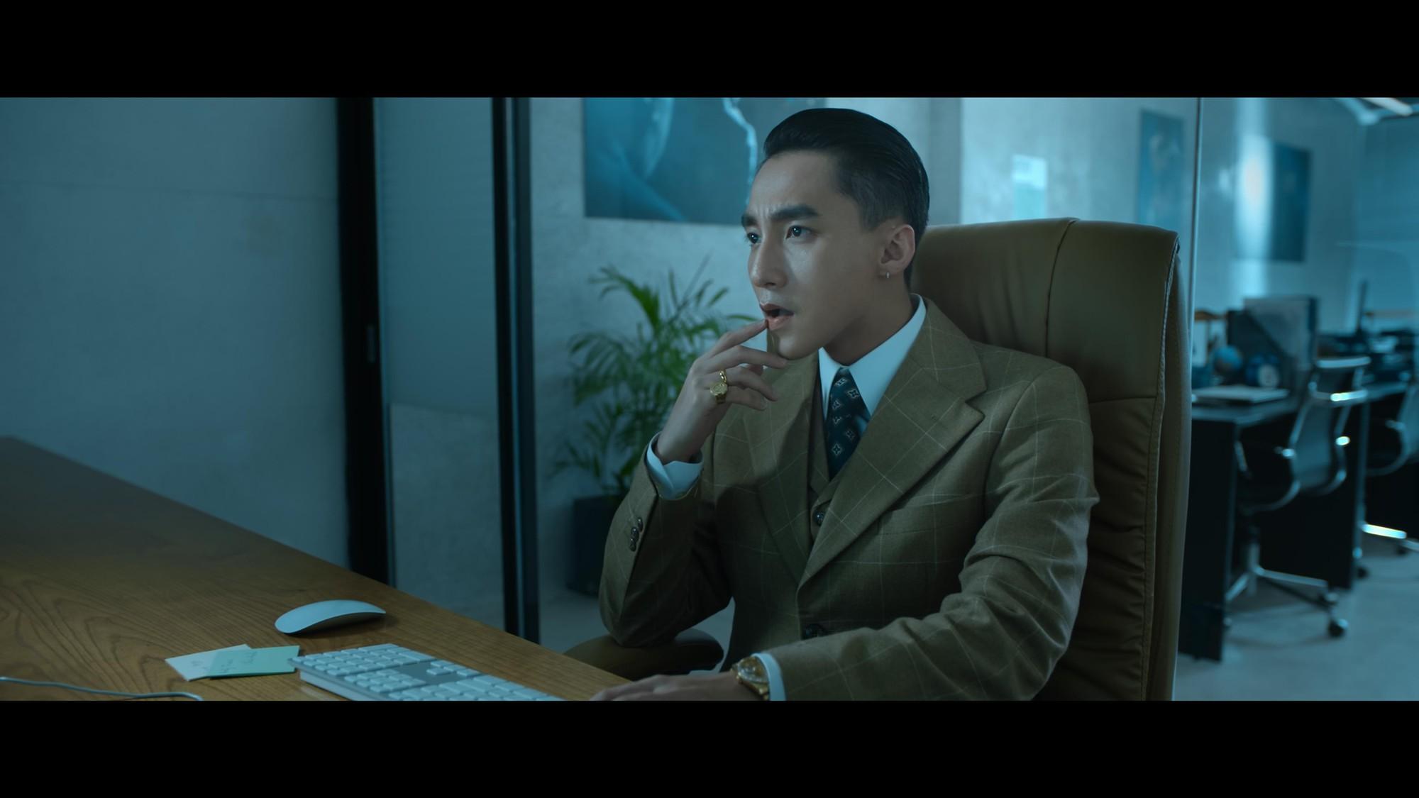 """Sơn Tùng M-TP mang hình ảnh """"Chủ tịch"""" xuất hiện trong đoạn video bí ẩn - Ảnh 1."""