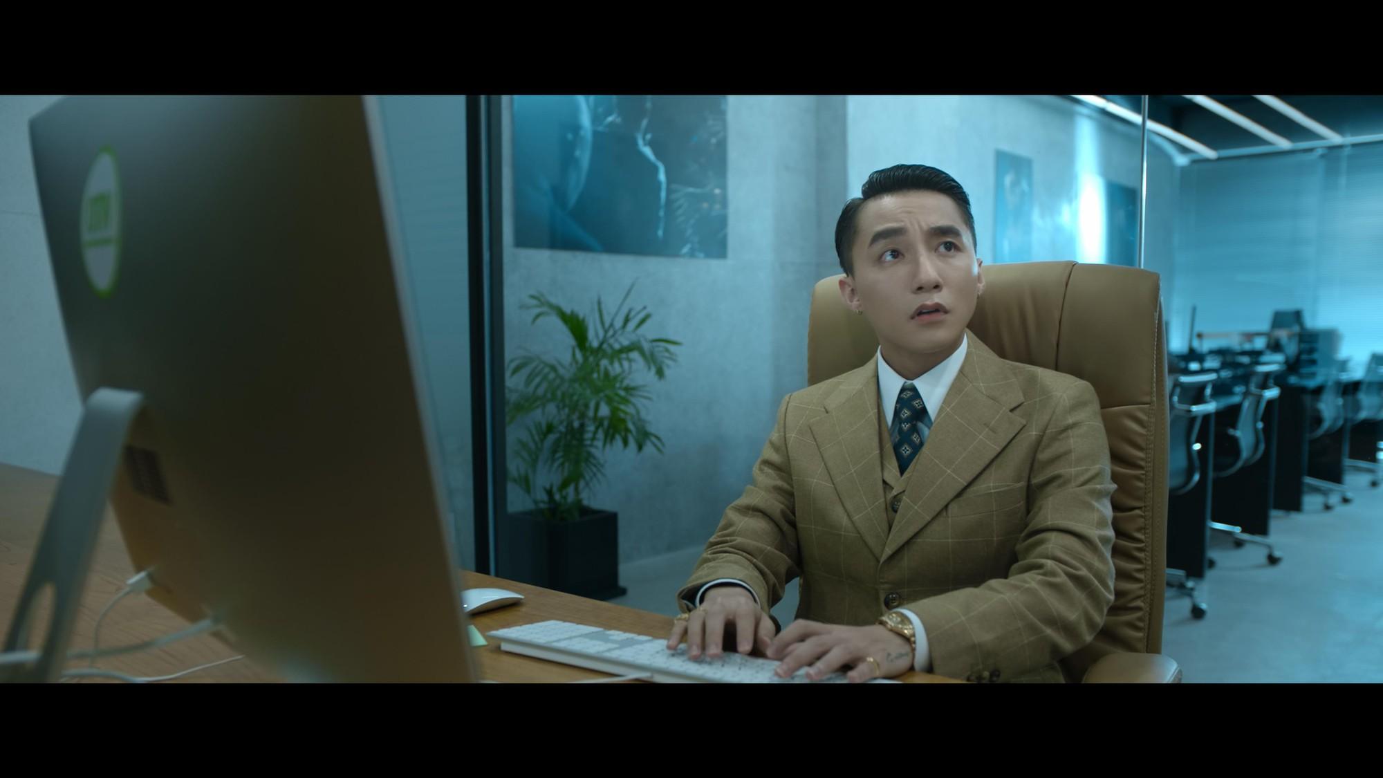 """Sơn Tùng M-TP mang hình ảnh """"Chủ tịch"""" xuất hiện trong đoạn video bí ẩn - Ảnh 2."""