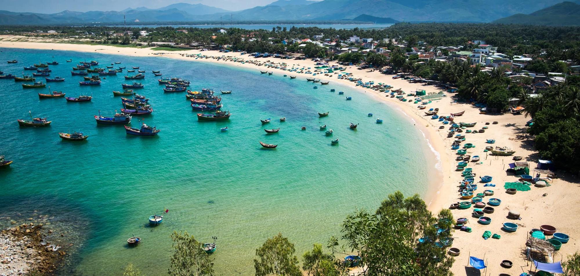 """Khám phá vẻ đẹp của quần thể vừa được WTA vinh danh """"Khu nghỉ dưỡng biển hàng đầu Việt Nam"""" - Ảnh 1."""