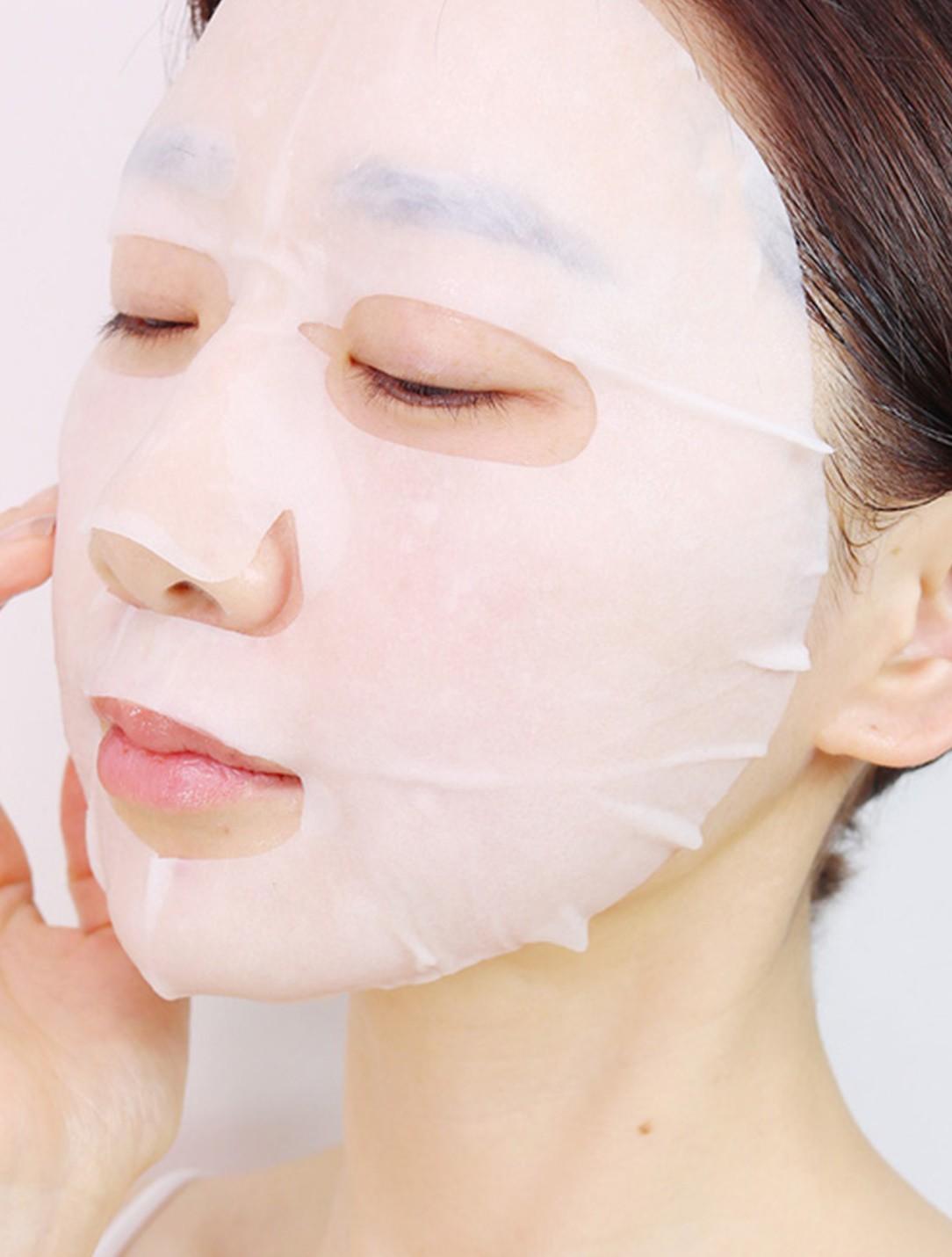 Áp dụng tuyệt chiêu #EveryDayMasking của phụ nữ Nhật, da không dừng ở ngưỡng đủ ẩm mà còn căng mướt tươi sáng - Ảnh 1.
