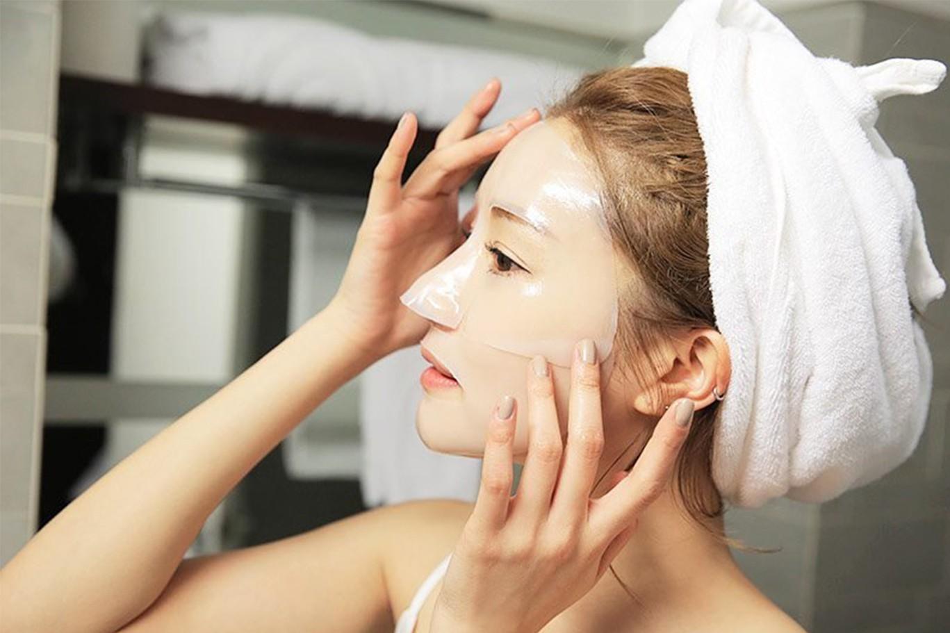 Áp dụng tuyệt chiêu #EveryDayMasking của phụ nữ Nhật, da không dừng ở ngưỡng đủ ẩm mà còn căng mướt tươi sáng - Ảnh 2.