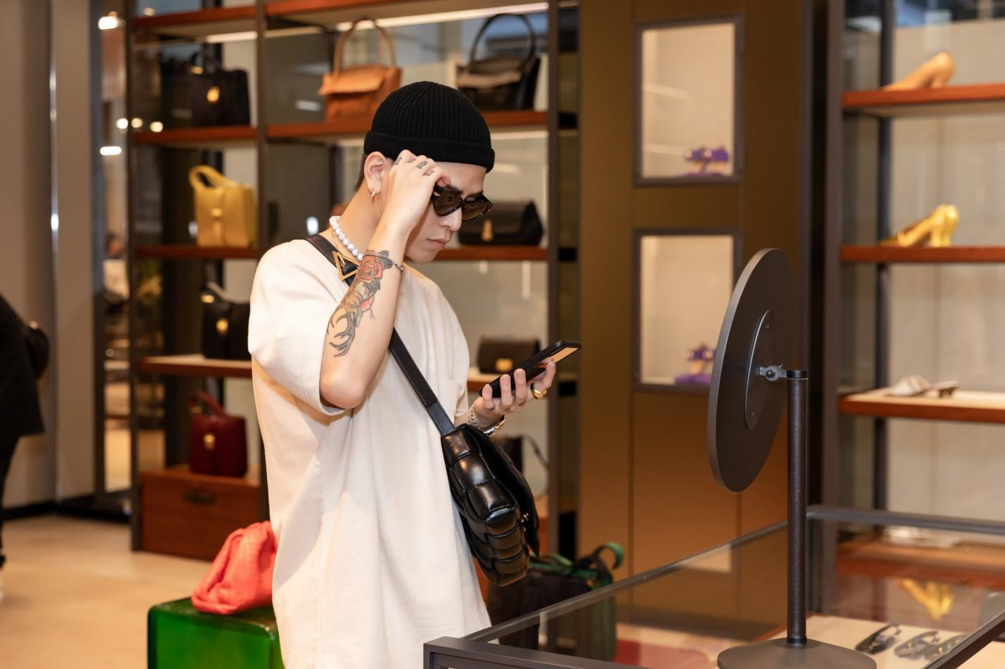 Bottega Veneta ra mắt BST mới: Dàn sao Việt yêu thời trang tụ hội, cùng khoe cá tính - Ảnh 10.