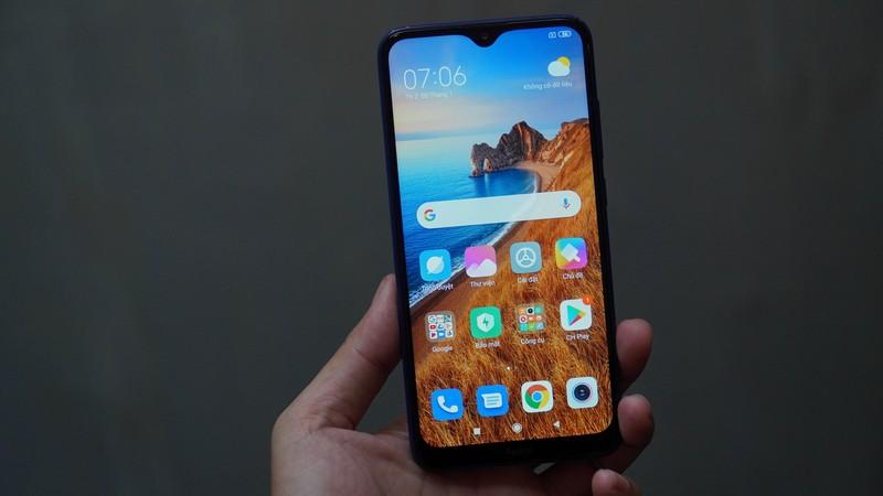 Thế Giới Di Động độc quyền smartphone pin khủng 5.000mAh, sạc nhanh, giá chỉ từ 2,99 triệu đồng - Ảnh 1.