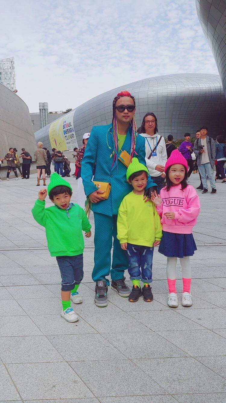 """Nhà thiết kế Huu Anh Zoner tự nhận là """"kẻ điên"""" kể chuyện thời trang nơi xứ Hàn - Ảnh 11."""