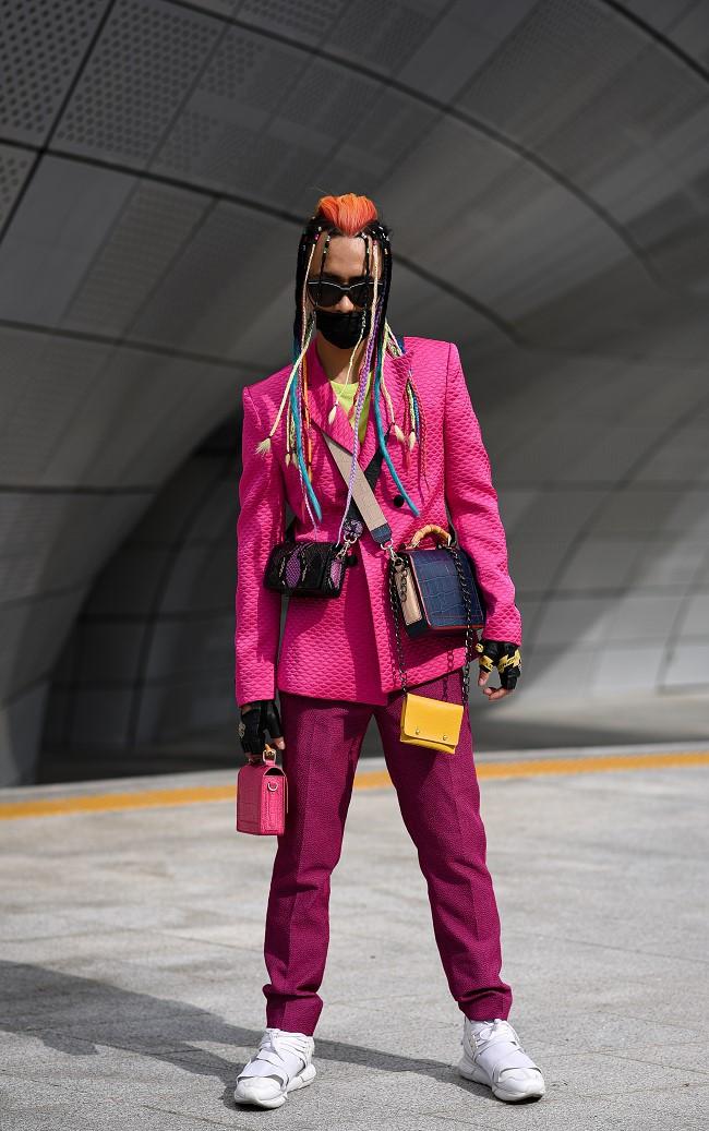 """Nhà thiết kế Huu Anh Zoner tự nhận là """"kẻ điên"""" kể chuyện thời trang nơi xứ Hàn - Ảnh 7."""