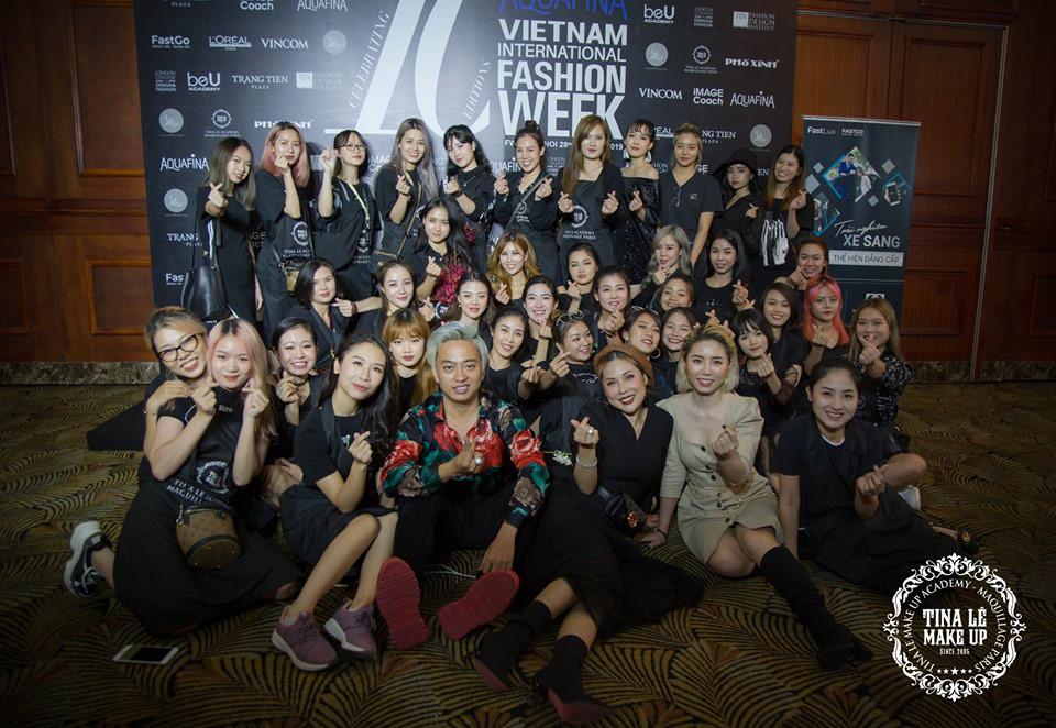 Công tác chuẩn bị của Tina Le make up trước thềm Aquafina Tuần lễ Thời trang Quốc tế Việt Nam - Ảnh 10.