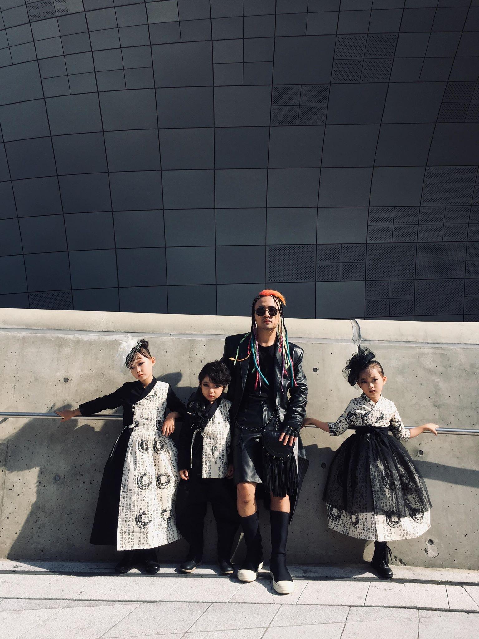 """Nhà thiết kế Huu Anh Zoner tự nhận là """"kẻ điên"""" kể chuyện thời trang nơi xứ Hàn - Ảnh 10."""