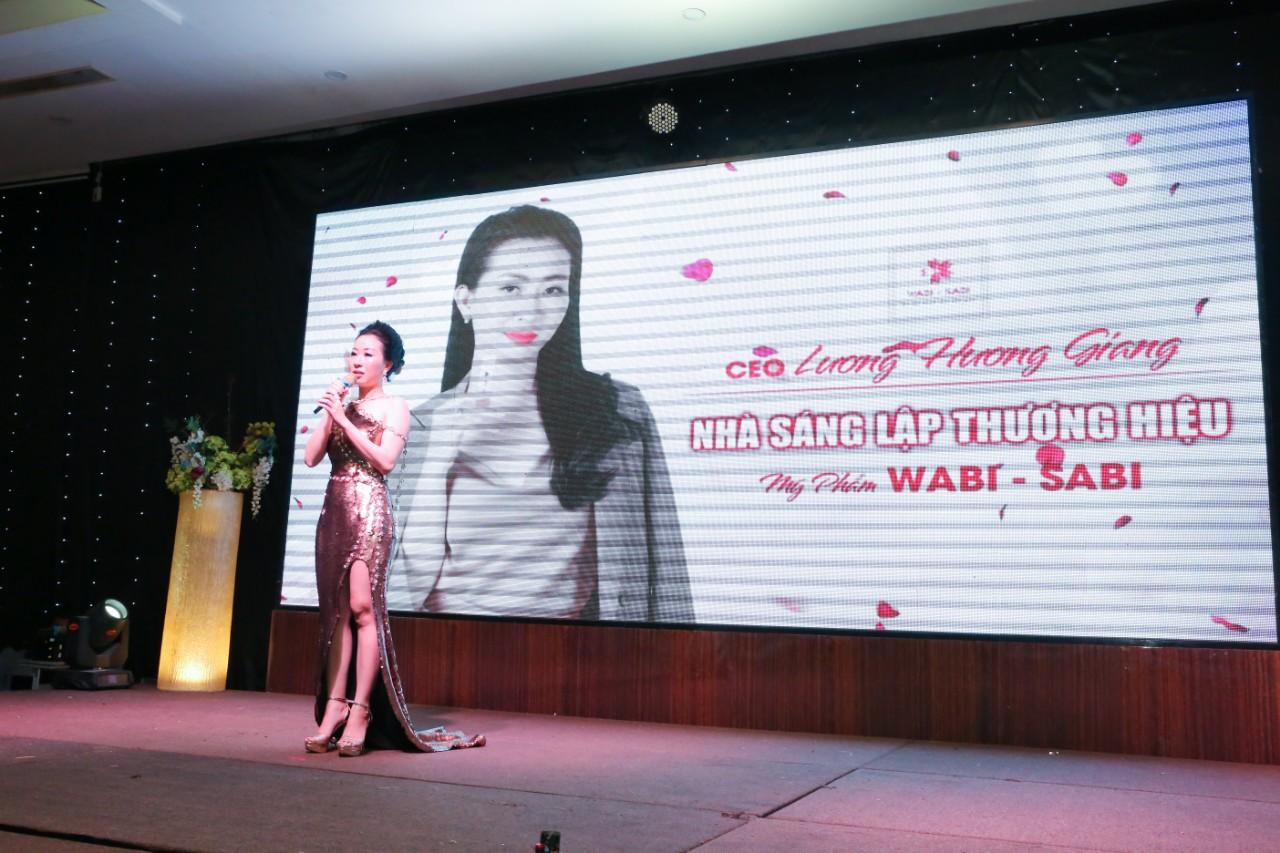 Kay Trần quẩy cực sung trong event Vì Tôi Là Phụ Nữ Việt dành riêng fan nữ nhân ngày 20/10 - Ảnh 1.