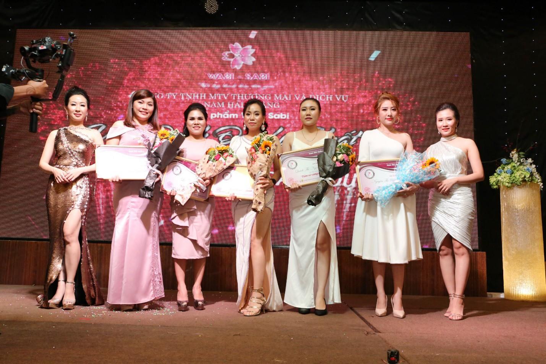 Kay Trần quẩy cực sung trong event Vì Tôi Là Phụ Nữ Việt dành riêng fan nữ nhân ngày 20/10 - Ảnh 5.