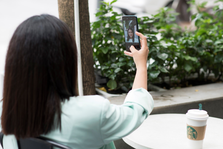 Ngắm bộ ảnh dễ thương của nữ sinh 18 tuổi mới được chọn làm gương mặt đồng hành cùng Xiaomi - Ảnh 6.