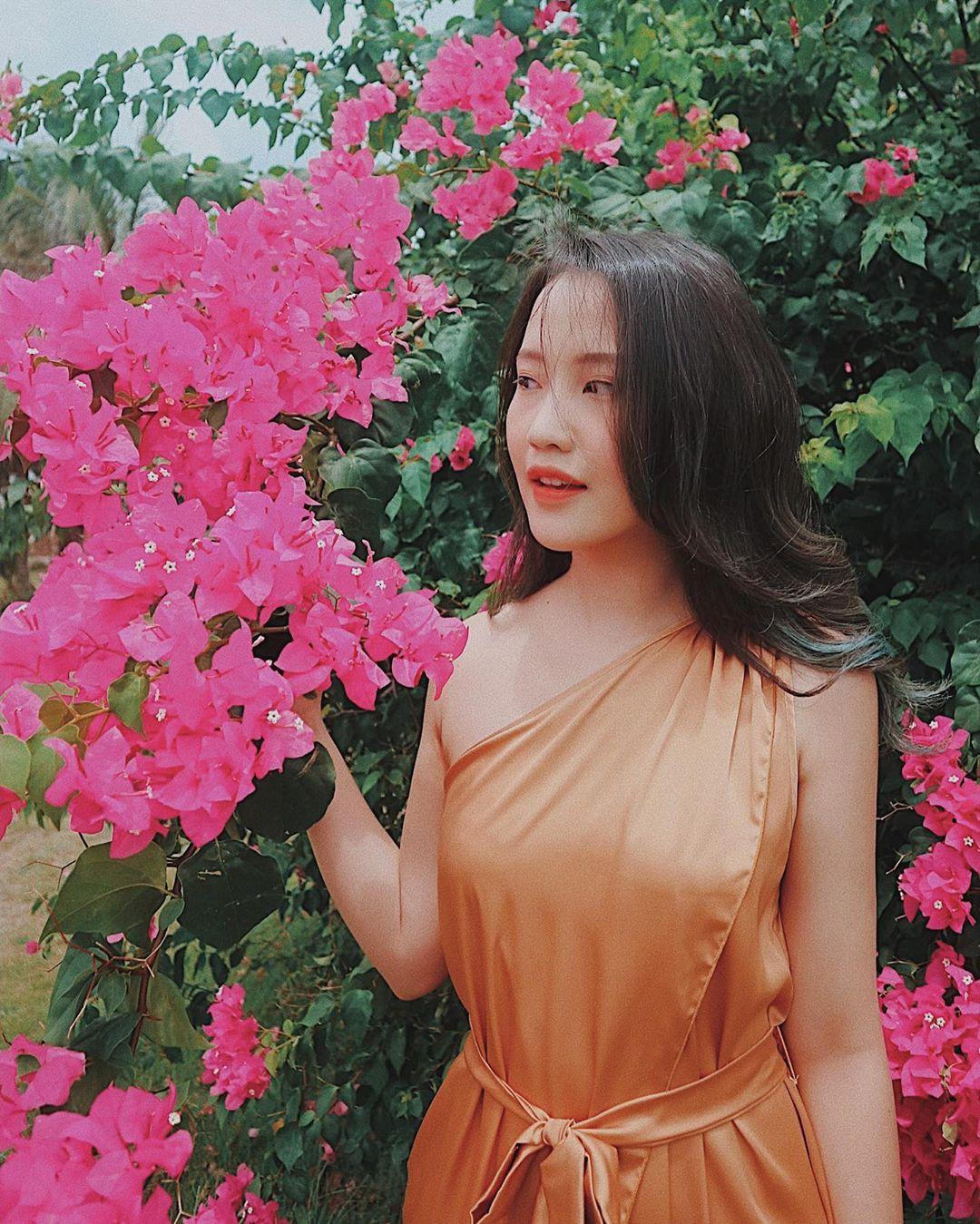 Ai nấy đều quyến rũ, cuốn hút và đây là lý do các mỹ nhân Việt yêu thích thiết kế từ lụa - Ảnh 10.