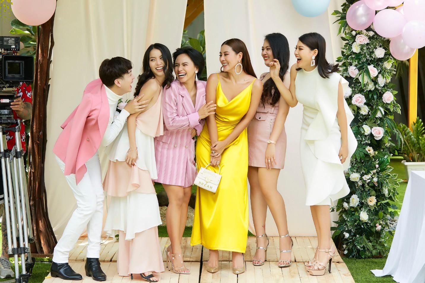 Ai nấy đều quyến rũ, cuốn hút và đây là lý do các mỹ nhân Việt yêu thích thiết kế từ lụa - Ảnh 3.
