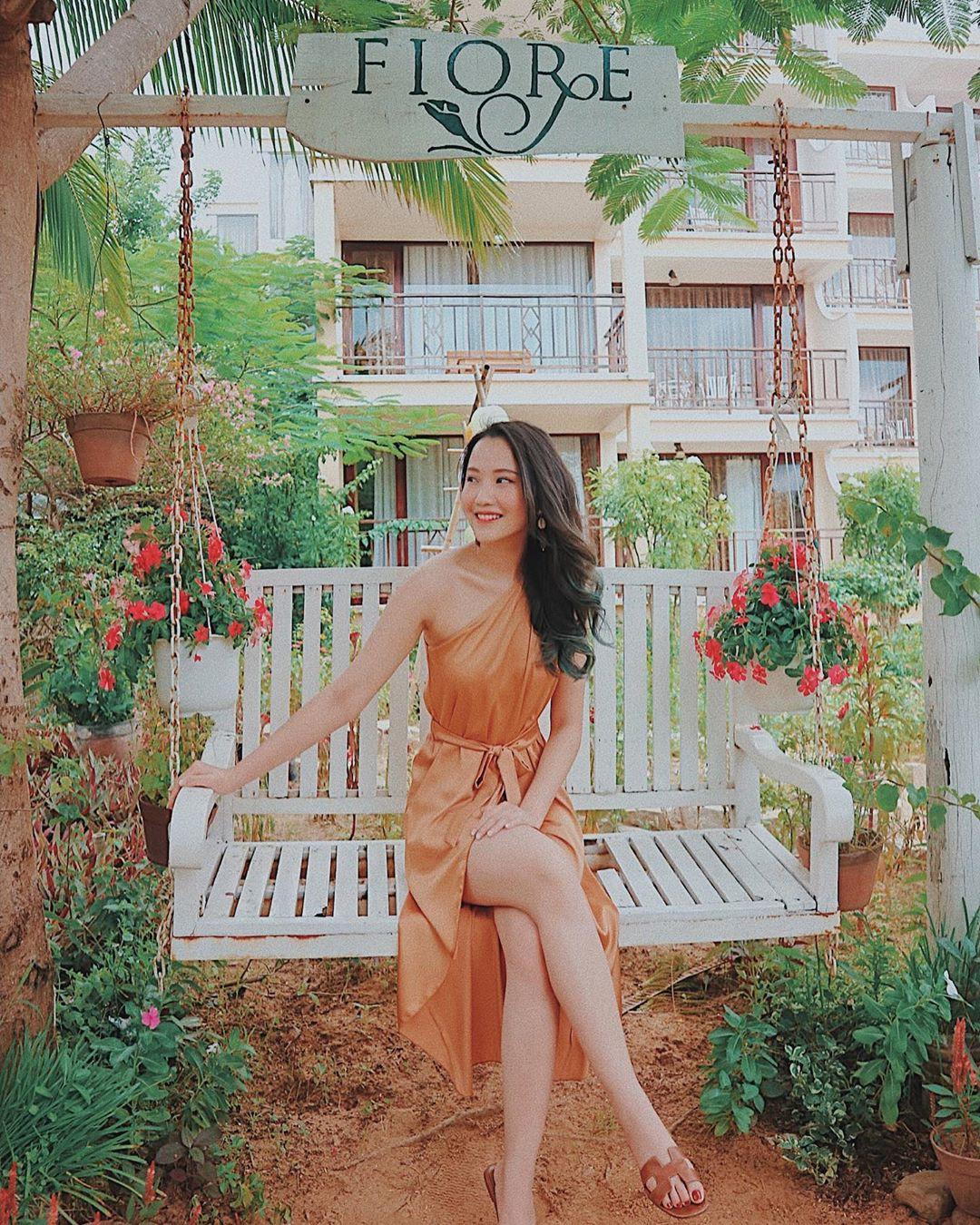 Ai nấy đều quyến rũ, cuốn hút và đây là lý do các mỹ nhân Việt yêu thích thiết kế từ lụa - Ảnh 9.