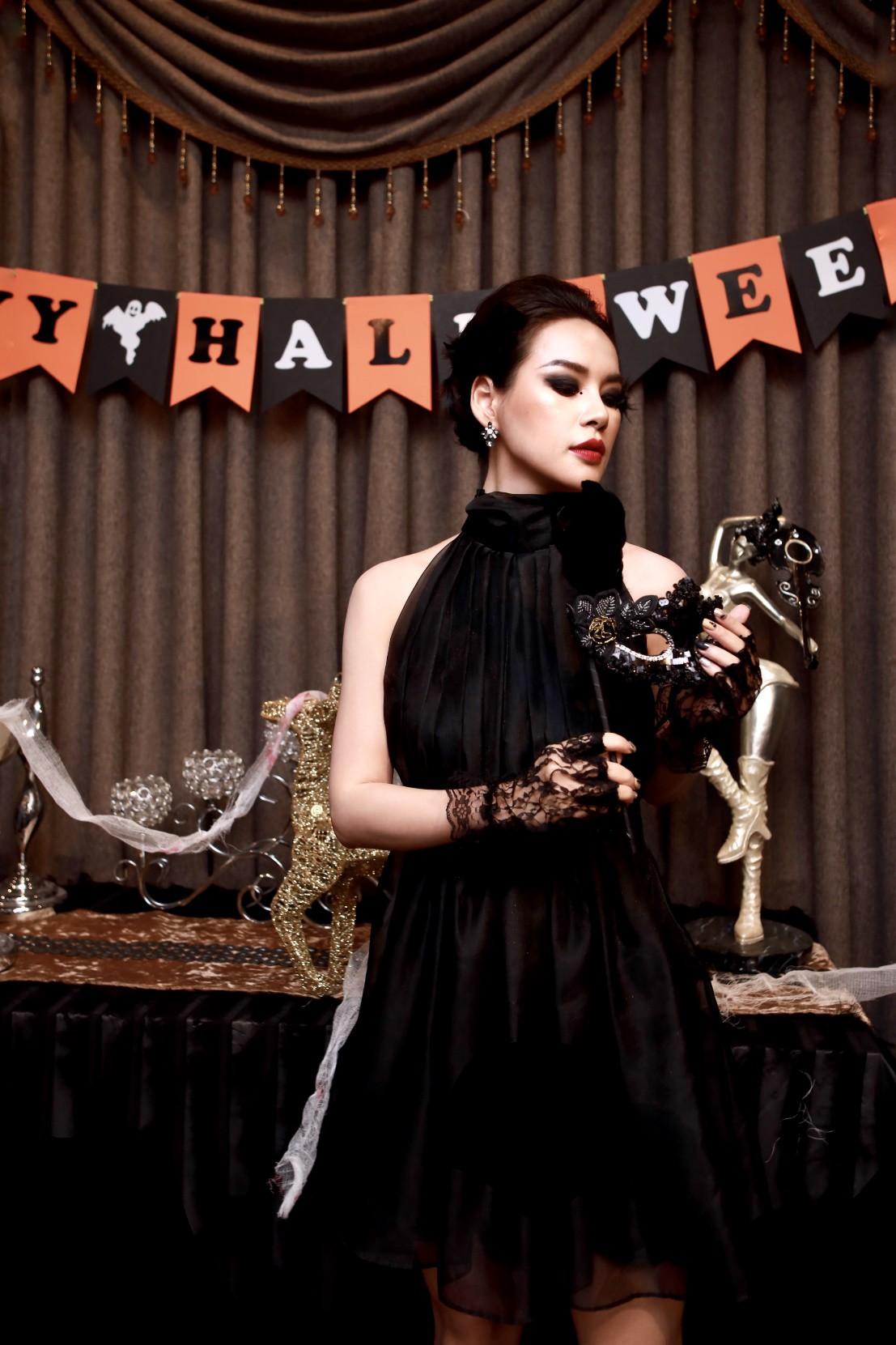 Hội chị em của Quỳnh Kool khiến cộng đồng mạng đứng ngồi không yên với tiệc Halloween quá chất - Ảnh 8.