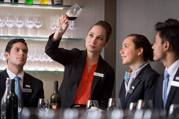 Du học ngành Khách sạn, Du lịch ở Úc - Cơ hội vẫn rộng mở ở quê nhà - Ảnh 3.