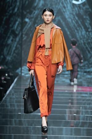 IVY moda khẳng định xu hướng thời trang Thu Đông 2019 cùng BST Step Out - Ảnh 9.