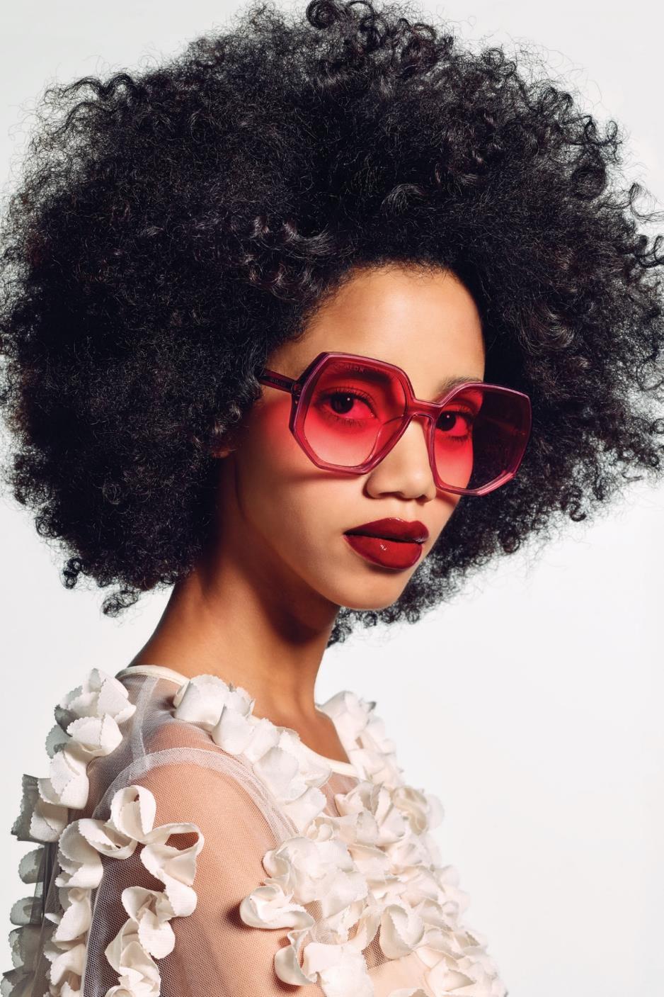 Bolon Eyewear Thu – Đông 2019: Thổi hồn đương đại vào phong cách lịch thiệp, sành điệu - Ảnh 3.