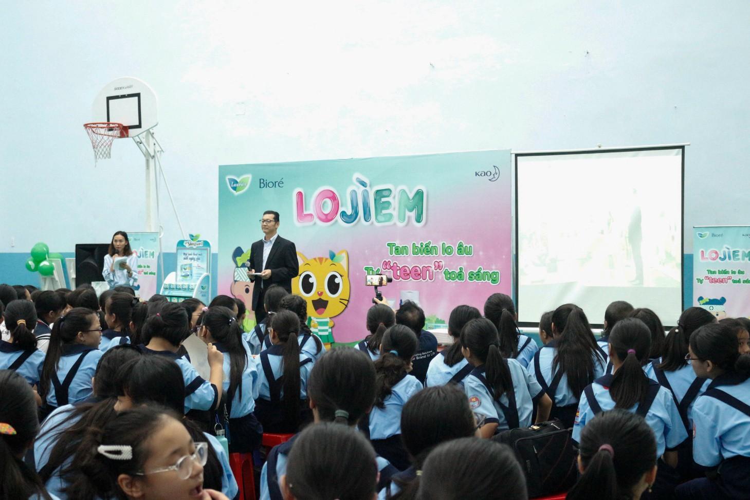 """Hàng nghìn học sinh hào hứng tham gia chương trình """"Tan biến lo âu, tự teen tỏa sáng"""" - Ảnh 1."""