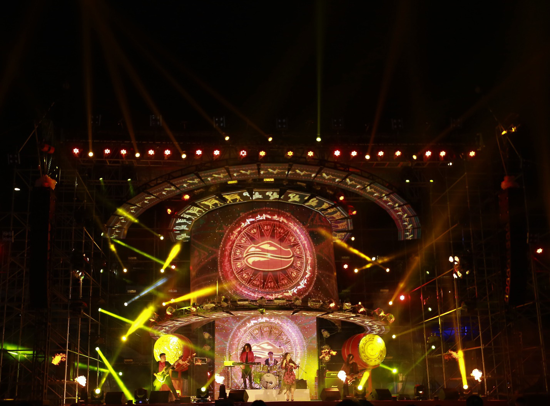 """Hơn 6.000 bạn trẻ Đà Nẵng bùng nổ cùng đại tiệc âm nhạc """"Highlands Coffee – 20 nắm gắn kết niềm tự hào đất Việt"""" - Ảnh 1."""