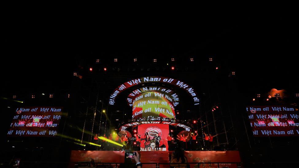 """Hơn 6.000 bạn trẻ Đà Nẵng bùng nổ cùng đại tiệc âm nhạc """"Highlands Coffee – 20 nắm gắn kết niềm tự hào đất Việt"""" - Ảnh 9."""