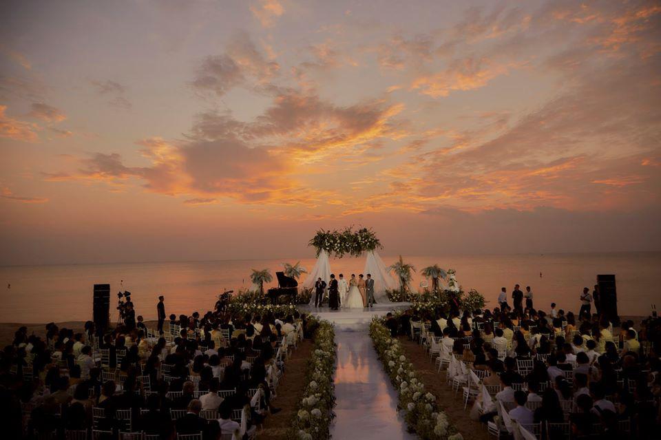 Soi thỏi son Đông Nhi dành tặng cho 500 khách mời trong đám cưới - Ảnh 2.