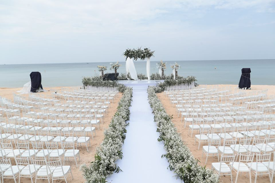 Soi thỏi son Đông Nhi dành tặng cho 500 khách mời trong đám cưới - Ảnh 3.
