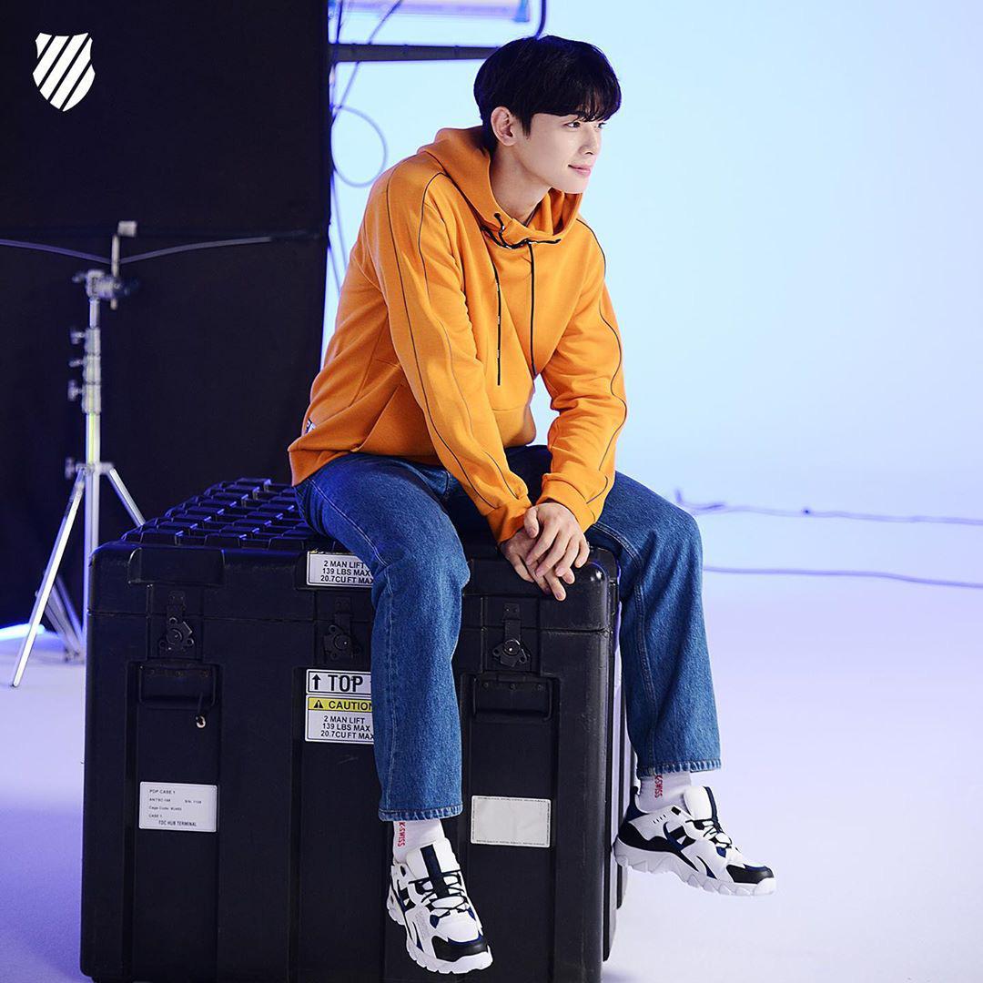 Nam thần Cha Eun Woo hợp tác cùng Kswiss cho BST HS329 TREK - Ảnh 1.